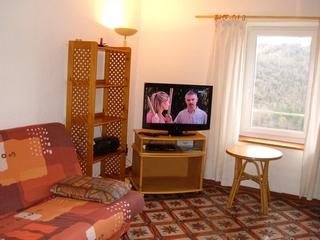 Salon F2 terrasse à Brès