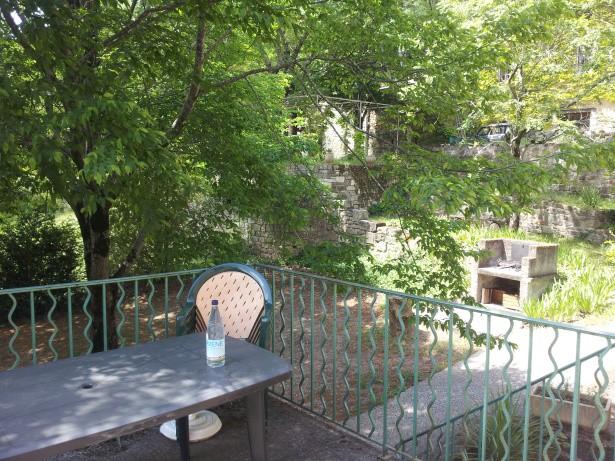 terrasse de l'appartement à 700 mètres de la cure