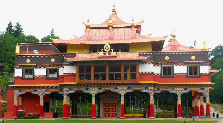 Temple tibétain de Roqueredonde