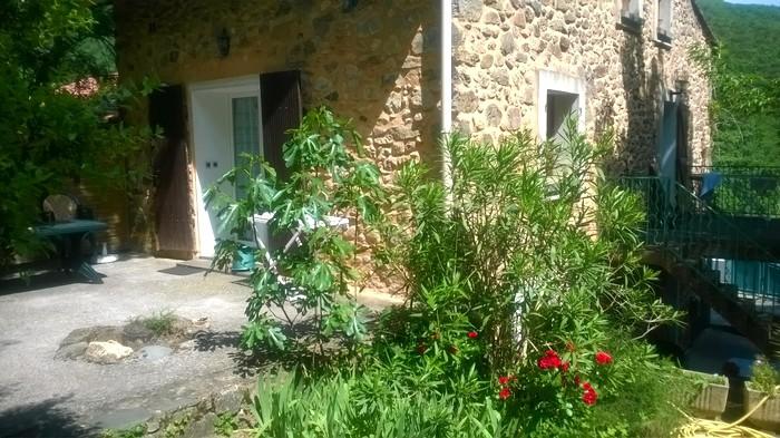 Jardin de la location à Avène les Bains