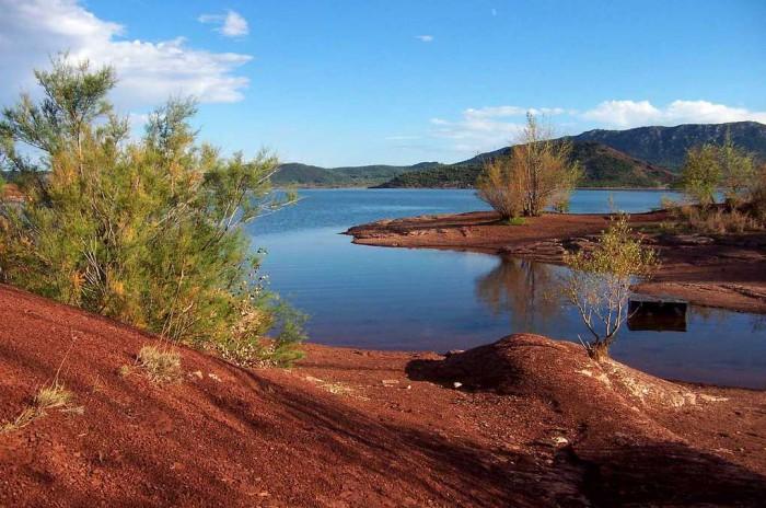 la nature et le calme du salagou